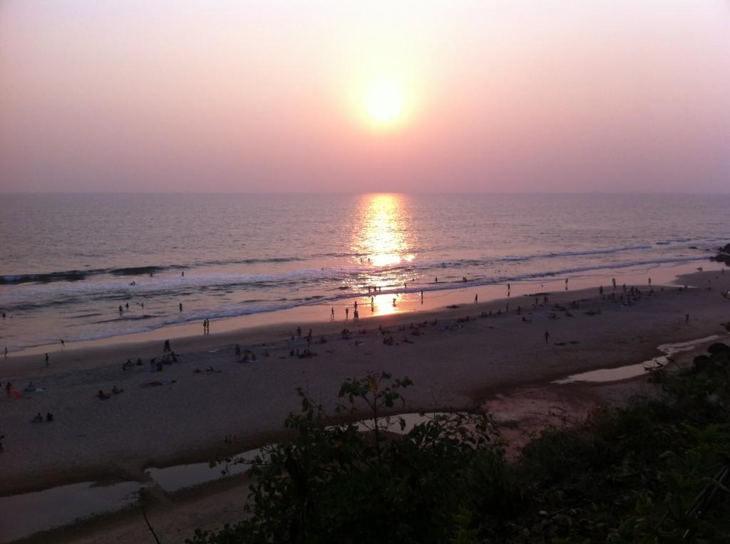 夕暮れどきのバルカラビーチ